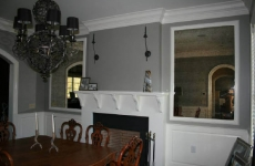 Antique-framed-mirrors-in-dining-room