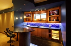 Basement-Bar-with-backpainted-Linen-pattern