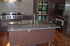 Glass_Countertops__raised_EatingBar_1