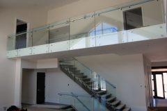 Glass railing 23
