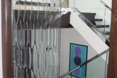 Textured glass partition wall