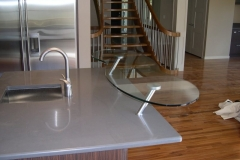 Glass_Countertops__raised_EatingBar_2