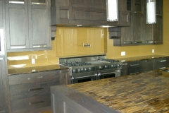 gold-back-painted-glass-backsplash1