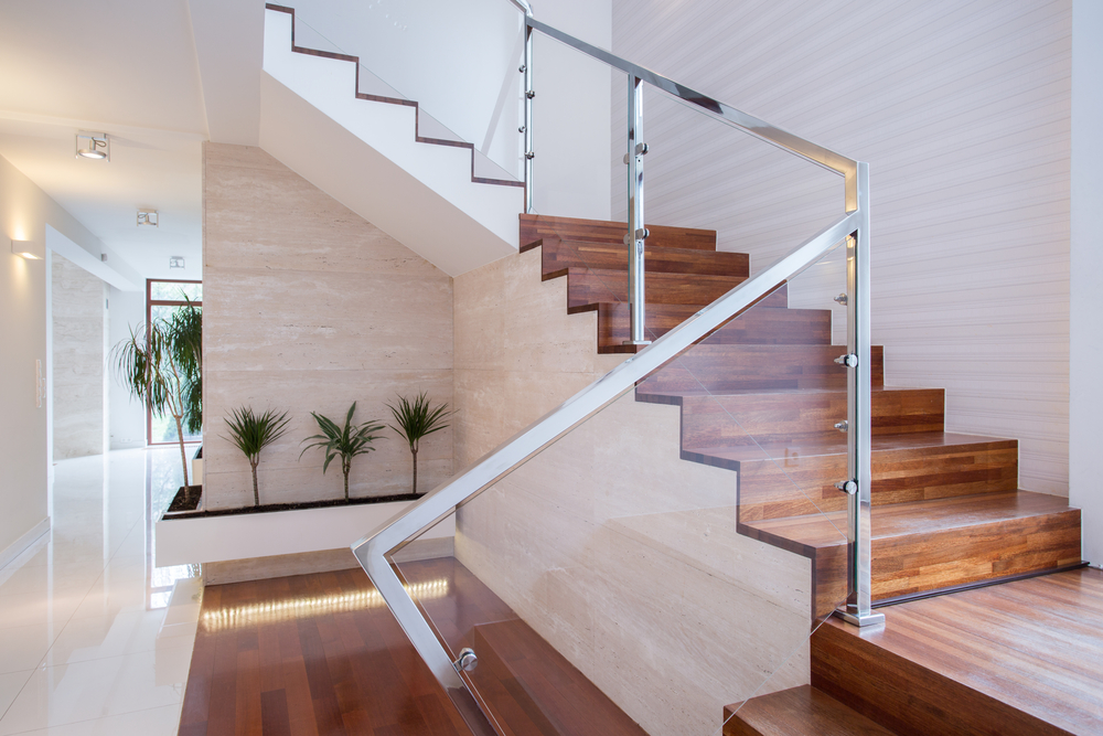 style tips for a beautiful glass railing staircase house of mirrors glass. Black Bedroom Furniture Sets. Home Design Ideas
