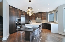 Backpainted-tan-glass-backsplash-website-flash
