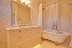 Bathroom-Framed-Mirror-2