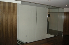 Glass-partition-home-office